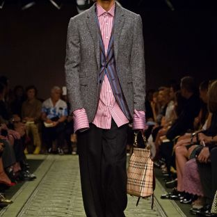 burberry-september-2016-collection-show-63