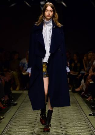 burberry-september-2016-collection-show-66