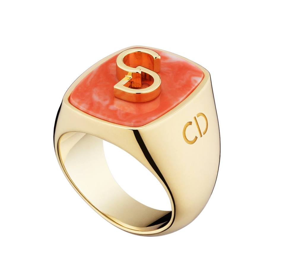 Lucky Dior 'CD' signature pattern ring in metal with gold finish and coral paste