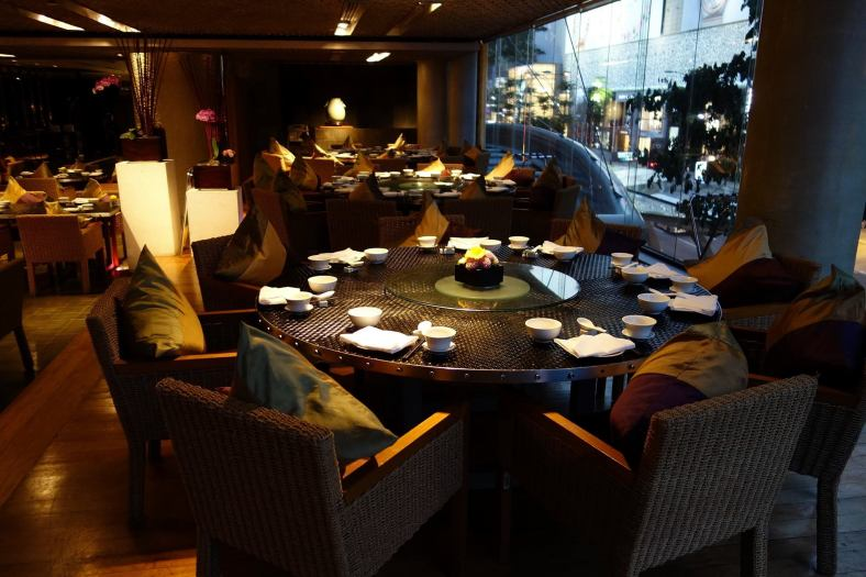 The window tables offer a great view of the bustling Jalan Bukit Bintang and Pavilion KL