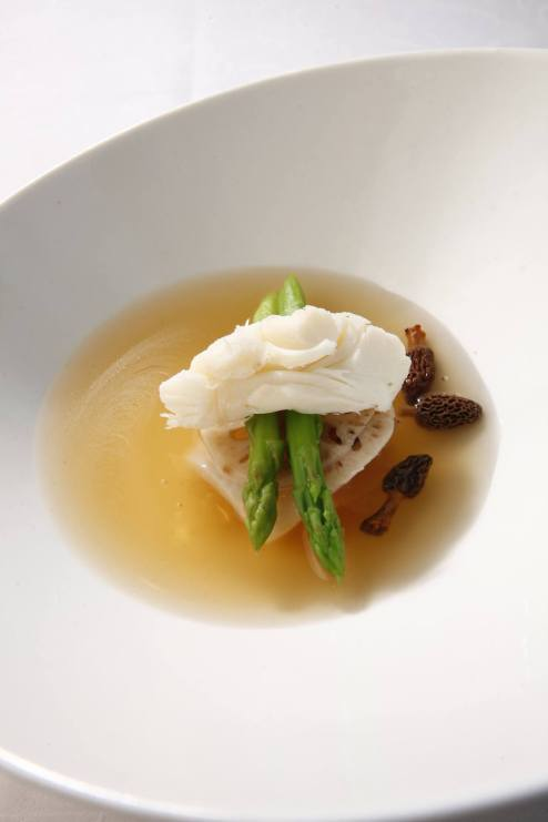 renaissance-hotel-kuala-lumpur-lobster-consomme-morel-mushroom-with-fresh-crab-meat-and-sea-treasure