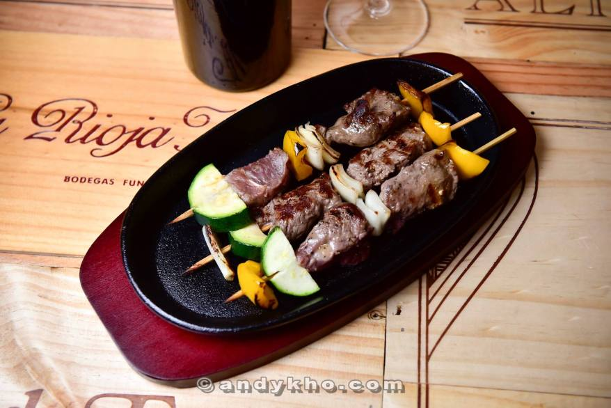 Carne de Vaca - Grilled wagyu beef cubes with roasted vegetables - RM38