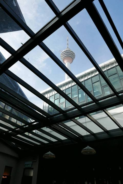 Which can be slightly warm during the daytime thanks to the glass roof which incidentally offers a nice view of KL Tower