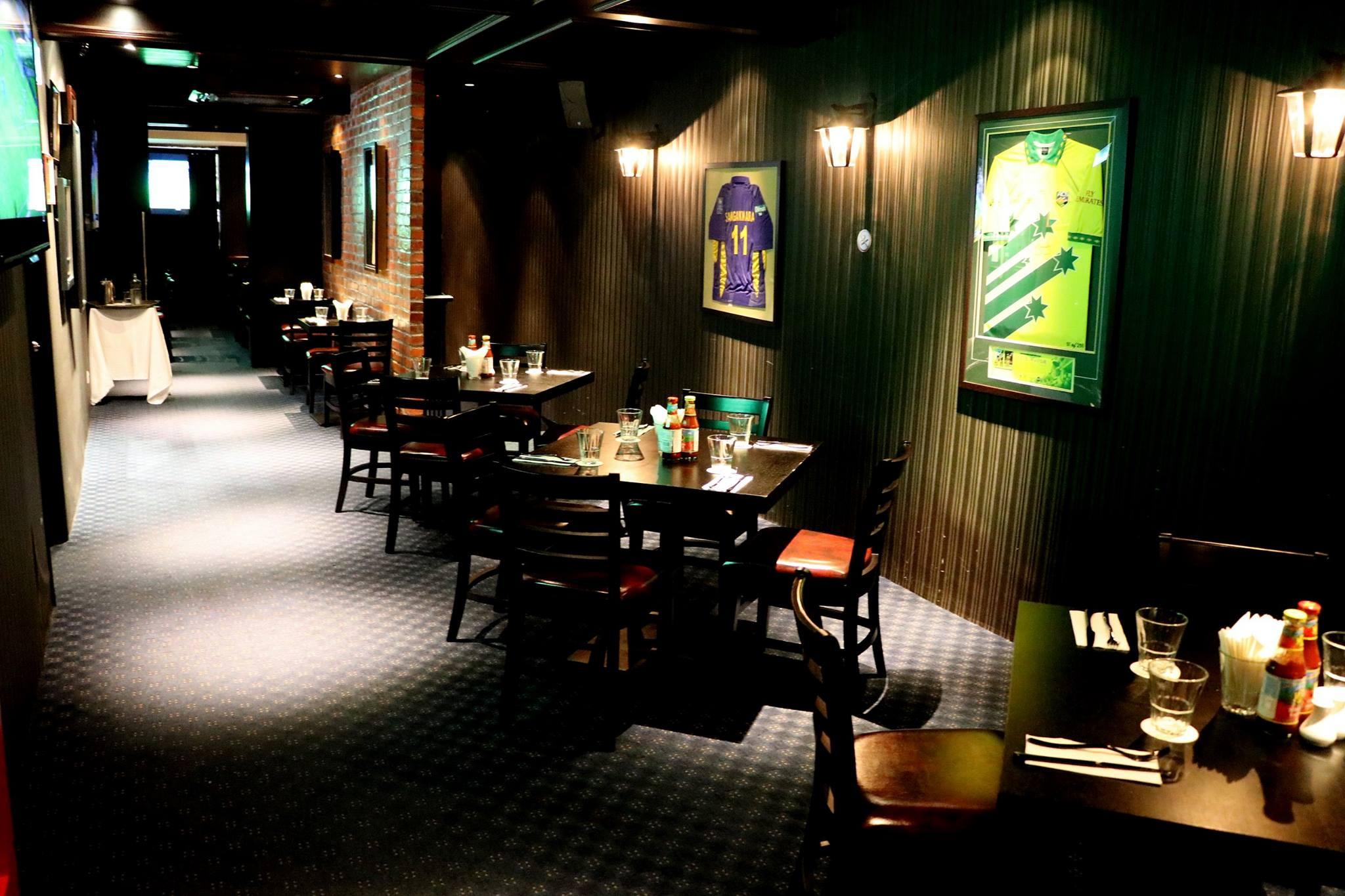sticky wicket restaurant