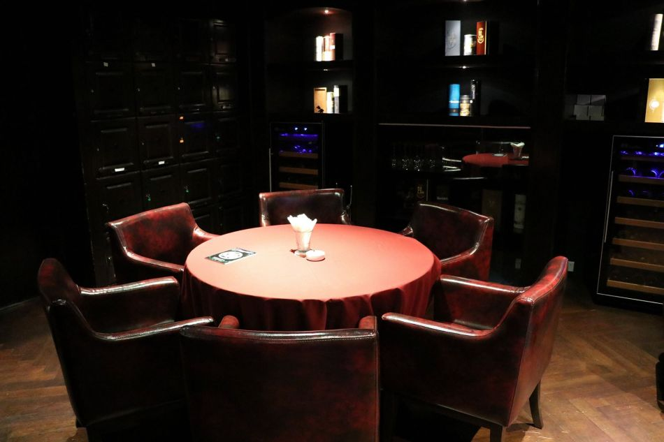 The private cigar lounge