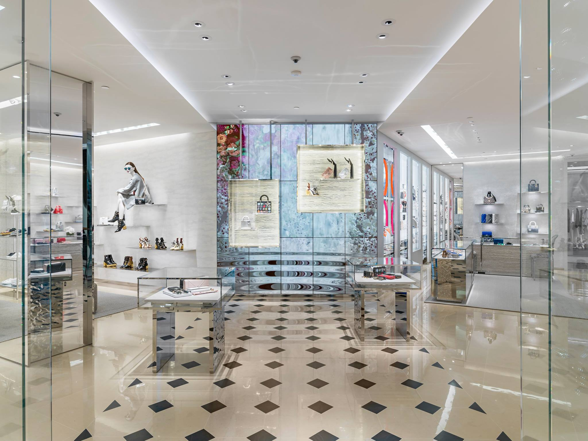 37c1a412e6f Dior Boutique Officially Launched in Suria KLCC – timchew.net
