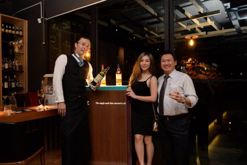 DJ Alexisgrace and I with the owner and mixologist of Bar Kinugawa