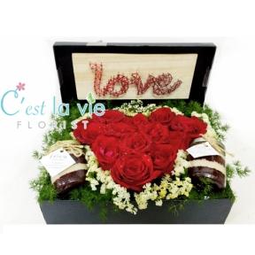 LOVE/ HEART FLOWER BOX - Love/ Heart -> RM 40 ❤ [ Additional ] Red Velvet Cake in Jar -> RM 15/each