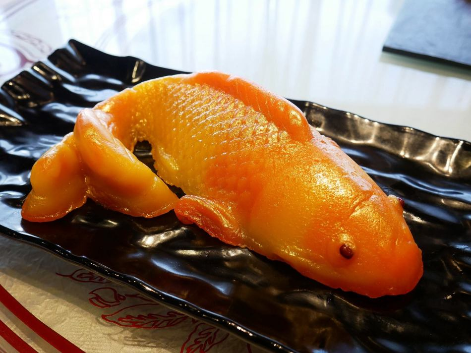 1-large Single Koi Fish priced at RM118.00 nett per box