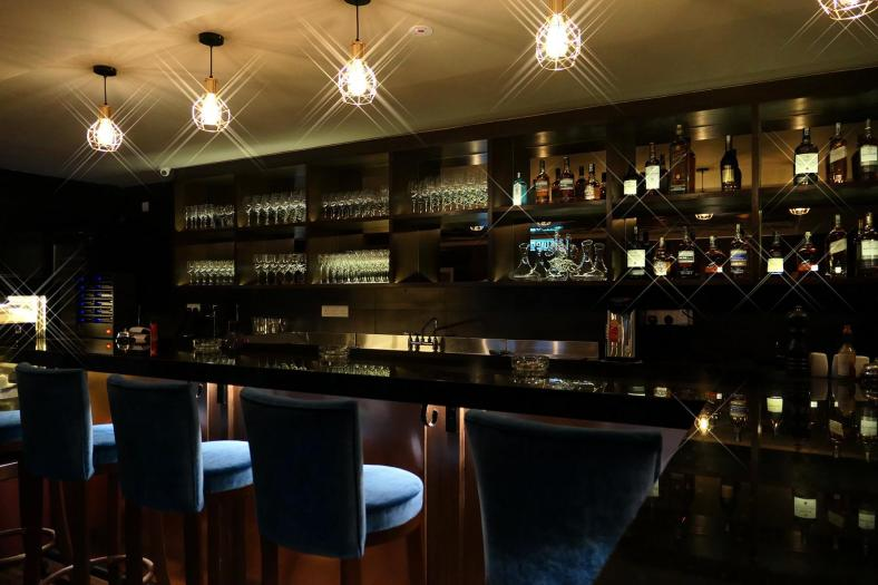 """A pic of the bar which I shot using the Panasonic Lumix LX10's """"Star Filter"""" mode which gave the lights a pretty twinkle"""