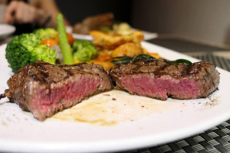 A perfect medium rare! Just how I love my steak!