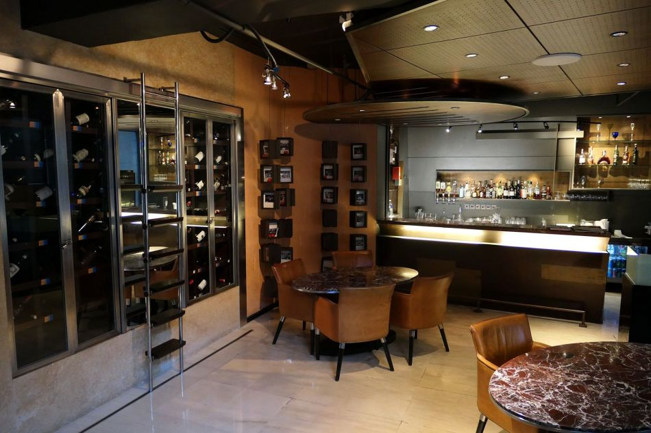 There's a fully stocked bar and wine cellar