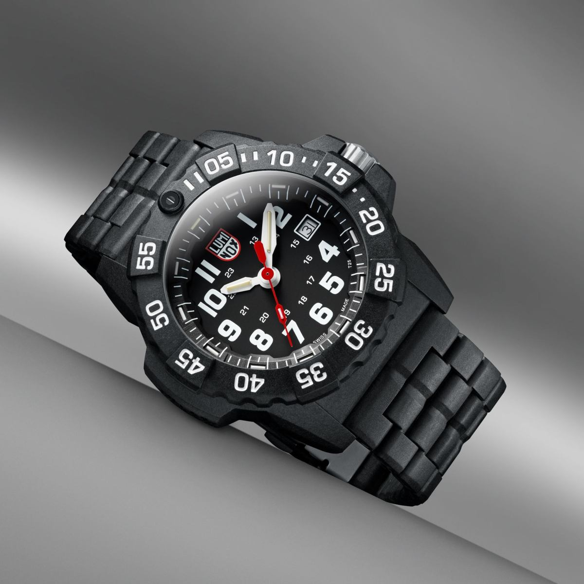 Luminox Launches the New Navy SEAL 3500 Series