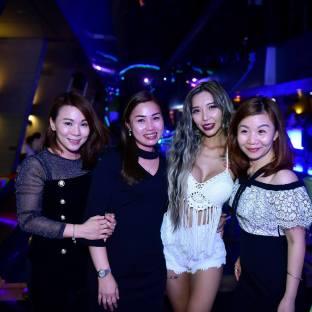 DJ Leng Yein at SkyBar Traders Hotel Kuala Lumpur (11)