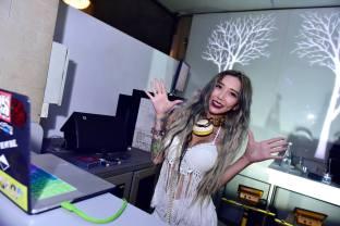 DJ Leng Yein at SkyBar Traders Hotel Kuala Lumpur (6)