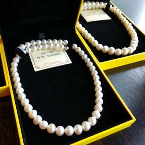 The event was supported by Poh Kong who provided us with beautiful pearl necklaces