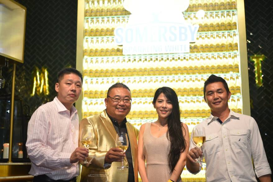 Carlsberg Malaysia Sales Director Gary Tan with guests Dato Casey Chua (on the far left), Alistiar (2nd from right) and friend