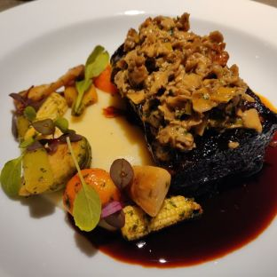 Bref Signature braised Angus Short Rib with Pomme purée and seasonal Vege