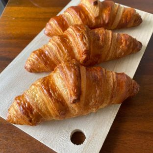 Classic french Croissants rm6.0 p/pc min order is 3pcs