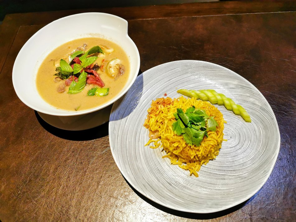 Thai green curry with Australian wagyu beef and aromatic saffron rice at Bref by Darren Chin