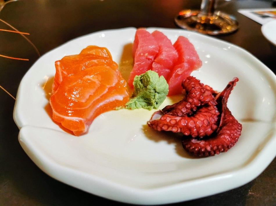 Salmon and tuna sashimi
